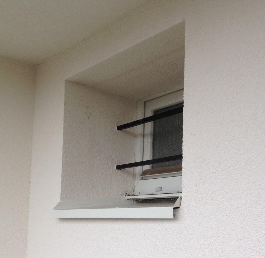 travaux d 39 isolation thermique par l 39 xt rieur sur un pavillon groupe salmon. Black Bedroom Furniture Sets. Home Design Ideas