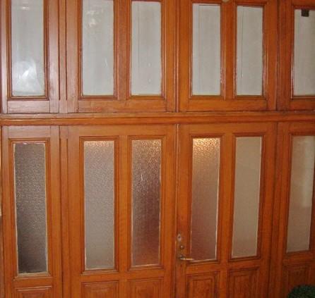vitrail moderne r alis en verre am ricain groupe salmon. Black Bedroom Furniture Sets. Home Design Ideas