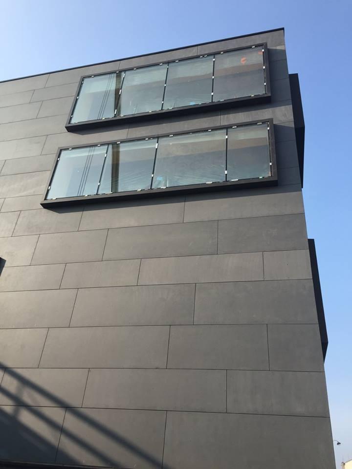 bardage m tallique fa ade facade bardage metallique noir. Black Bedroom Furniture Sets. Home Design Ideas