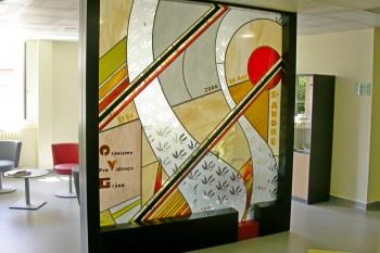 Création d un vitrail comme séparation dans une salle d'accueil