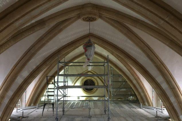 jean XXIII montigny les metz nettoyage des pierres et peintures interieures